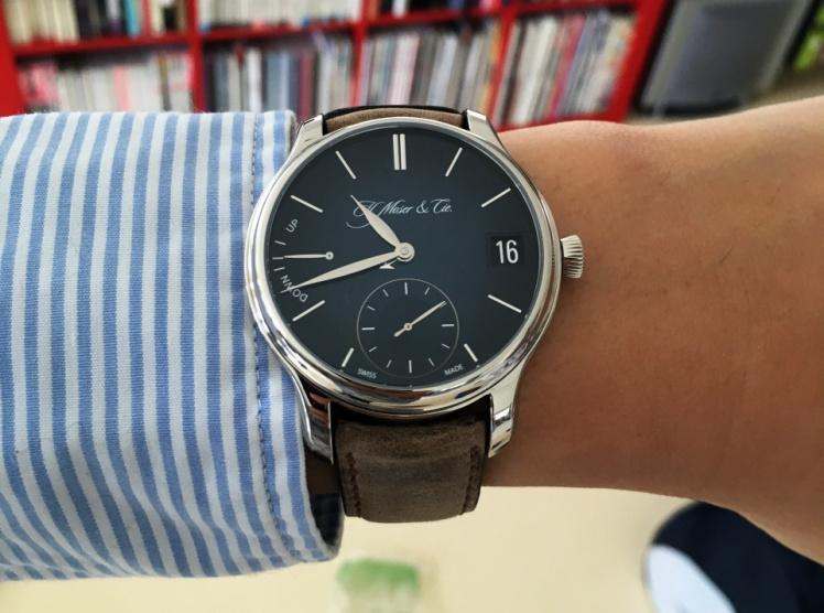 這款H. Moser & Cie(亨利慕時)被認為是最聰明、最簡潔的萬年曆錶款。