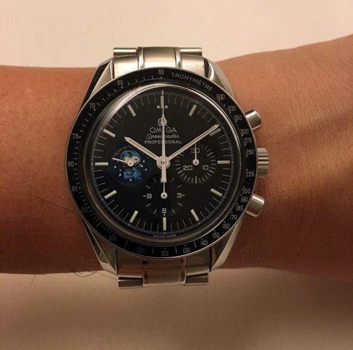 OMEGA 超霸登月錶,這是2003年推出的第一代史努比錶款,非常珍貴,是我最喜愛收藏之一。