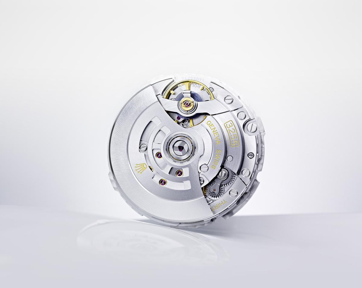 勞力士在1931年推出360單向旋轉自動盤的Perpetual系統,可說是目前所有自動盤樣式的濫觴。