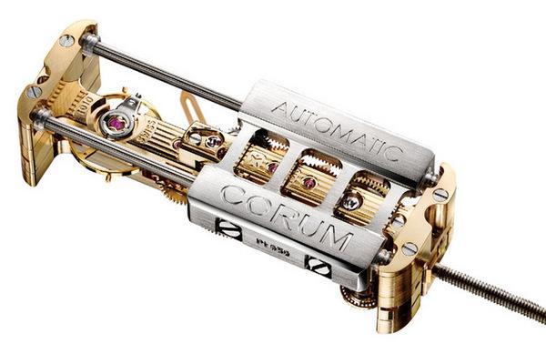 崑崙的Cal. CO 313獨特的線性自動上鍊機構,更能與自家招牌的線形機芯相輔相成。