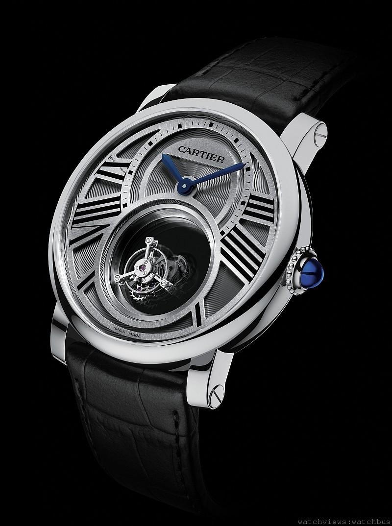 卡地亞的神祕錶是運用透明的橋板來營造出絢麗視覺效果,而它也算是飛行陀飛輪。