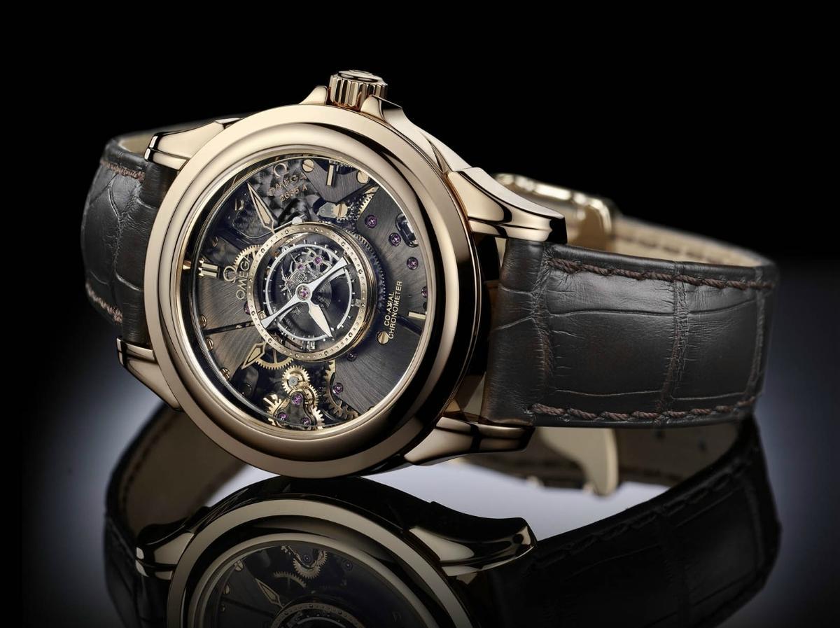 1994年歐米茄首創中置陀飛輪腕錶,直接將主角放在面盤中央。