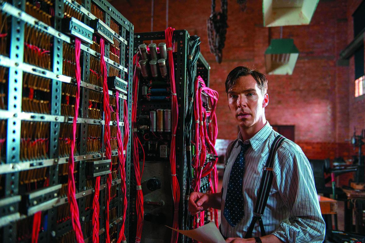 班奈狄克演出「現代電腦之父」—英國數學家艾倫圖靈(Alan Turing)。動人演技賺人熱淚,也讓他首度入圍奧斯卡最佳男主角,可惜最後敗給好友艾迪瑞德曼(Eddie Redmayne),但也讓他躋身好萊塢A咖。(甲上提供)