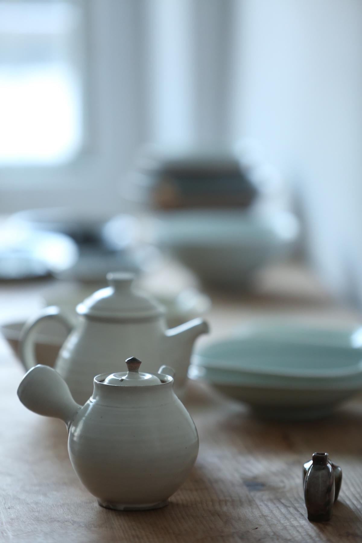 日野明子知道台灣人愛喝茶,這次特別帶來鈴木壽一的急須陶壺。