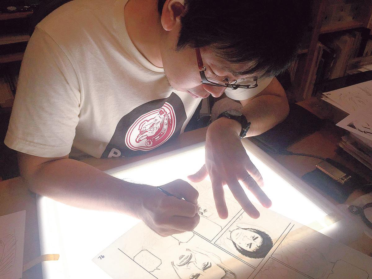 漫威在日本和名家合作,最新作品就是讓鋼鐵人加入由小山宙哉創作的知名漫畫《宇宙兄弟》行列。(翻攝自小山宙哉twitter)