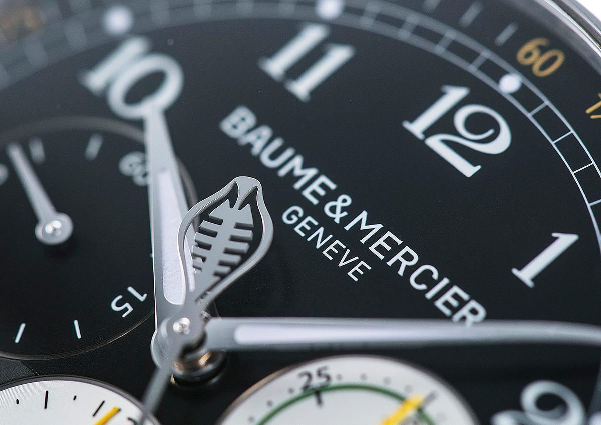 我對這款錶一見傾心的理由?不用說,當然就是眼鏡蛇造型的計時秒針,我愛死了。