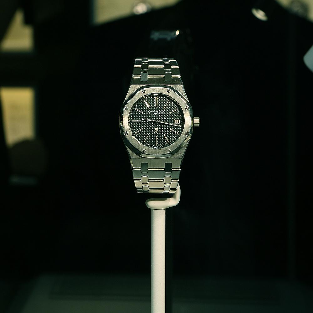 1972年第一款Royal Oak皇家橡樹誕生,自始之後它變成為高級運動錶的代名詞,也將愛彼推向高峰。