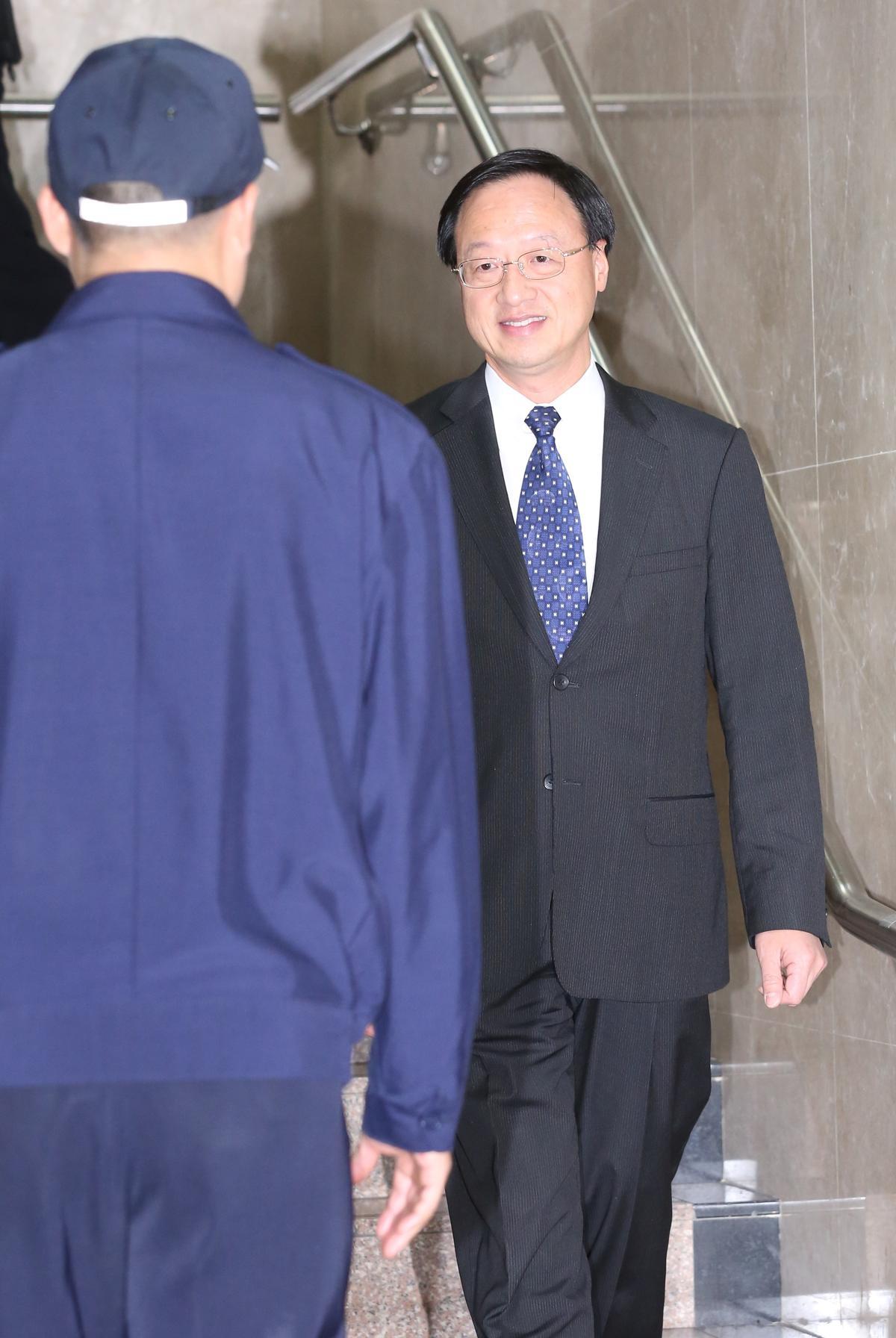 江宜樺專程從香港返台應訊,訊後對案情也沒有回應。