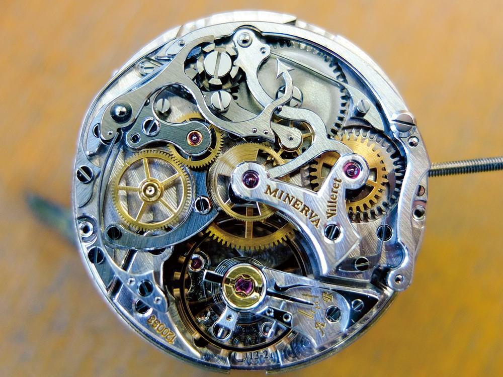 計時碼錶與一般碼錶的不同之處,在於他多出了一組專門的獨立計時輪系。圖為MONTBLANC旗下MINERVA機芯廠的手上鍊計時碼錶機芯。