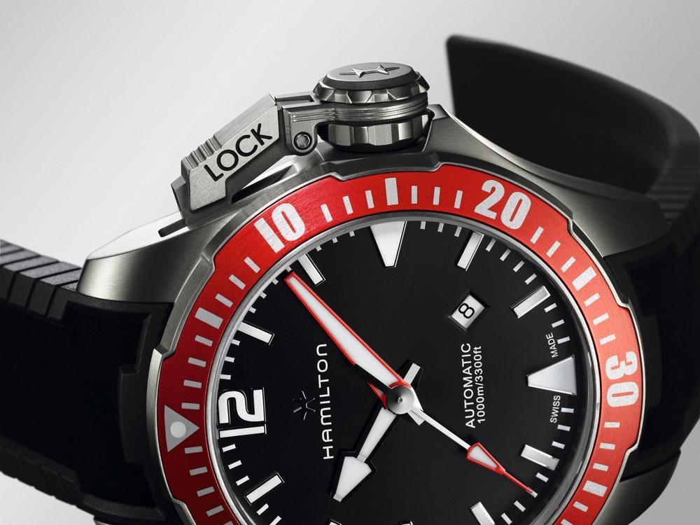 紅色的鋁合金旋轉錶圈遠比現在流行的陶瓷錶圈可靠許多,關於陶瓷錶圈的災情實在是聽到不想再聽了。
