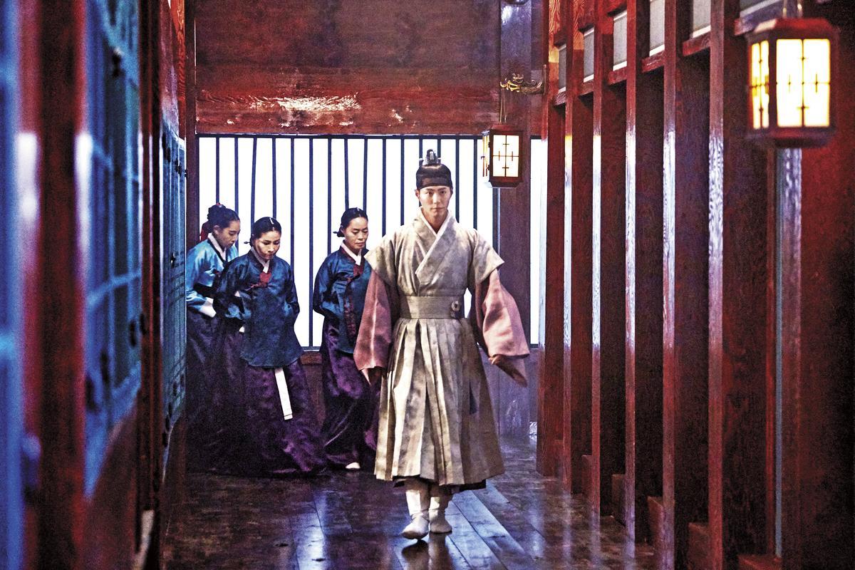 王世子李旲平日生活的東宮殿,善用空間概念可做為書房、書庫、寢宮、偏殿。(時報文化提供)