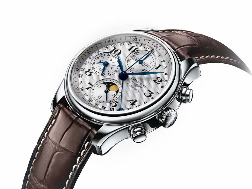 巨擘系列全日曆月相計時碼錶/自動上鍊機芯/不鏽鋼材質/錶徑42mm/時間顯示/24小時、日期、星期、月份、月相顯示/計時碼錶功能/藍寶石水晶錶鏡/防水30米/建議售價:NT$111,000