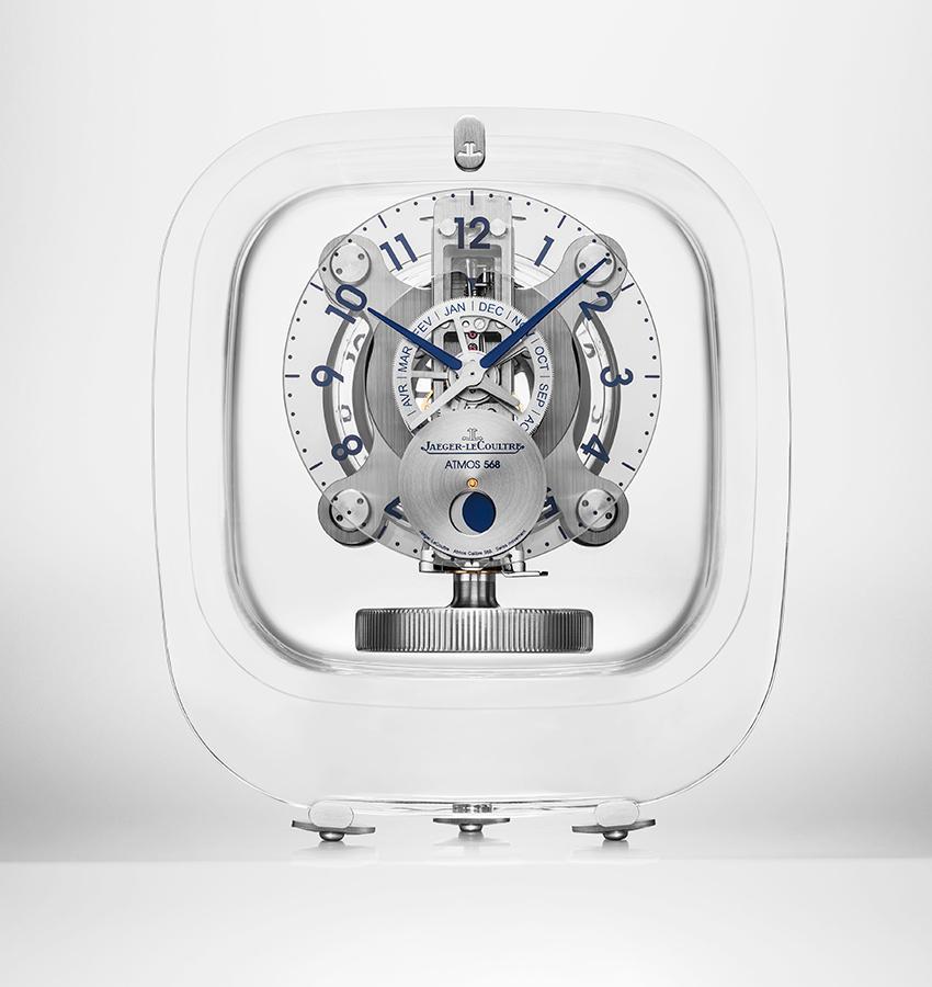 由Marc Newson操刀設計的Atmos 568空氣鐘,透明無暇的鐘殼是由水晶名家Baccarat製作。定價NT$ 900,000。