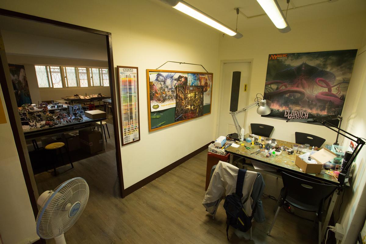 玩家空間真的很大,除了工作桌之外還有大房間可以遊玩