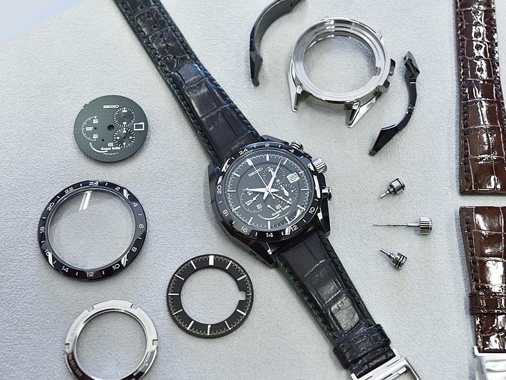 即使是具有良好機械特性的結構陶瓷,但由於韌性不佳,所以對於裂縫成長的抵抗力極為有限,很容易因為外力撞擊而產生破裂與缺口。所以GRAND SEIKO的氧化鋯陶瓷腕錶採用多件式設計,除了能夠防止產生應力裂縫之外,萬一不幸破損也只要更換單一陶瓷零件即可。