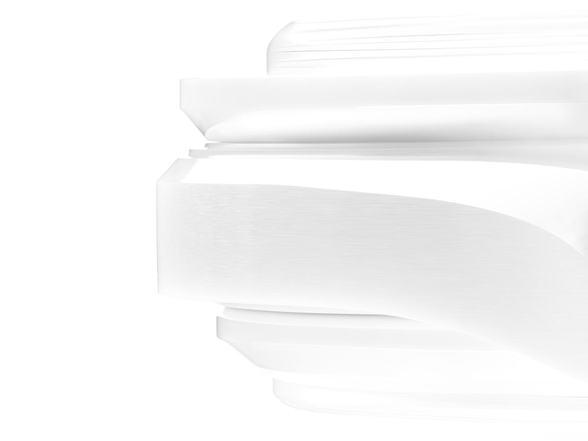 近年腕錶的形狀設計日益特殊,所以可以製造複雜形狀的3D射出成形技術也被大量的應用在成形階段,並搭配成形後的切削工序以增加成品的多樣性。
