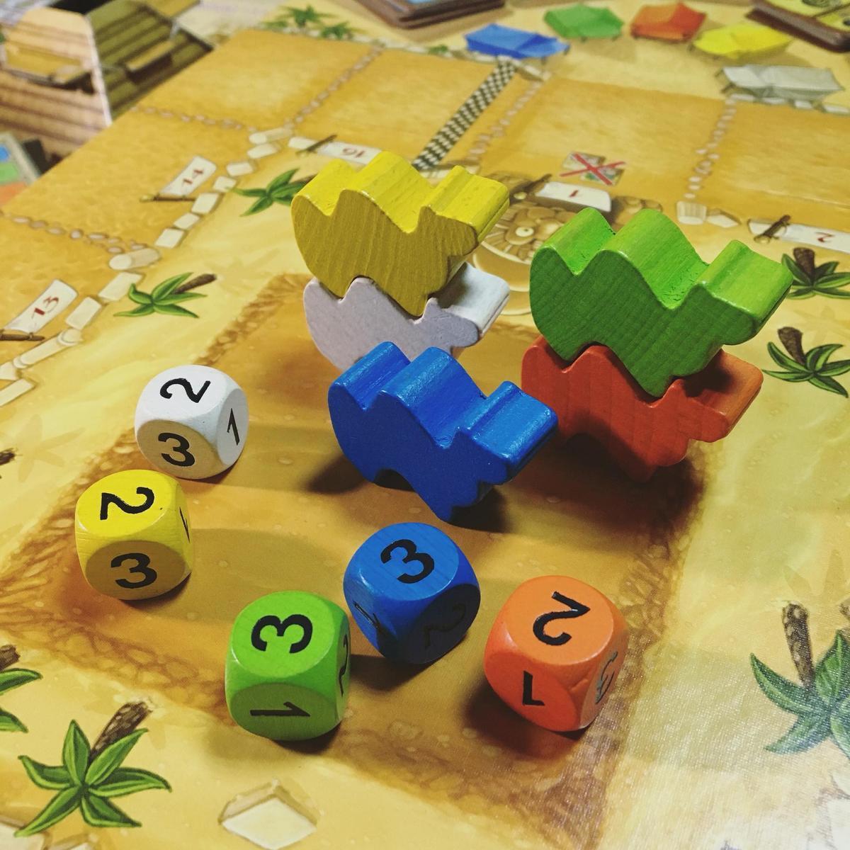 每個骰子各對應一個駱駝顏色
