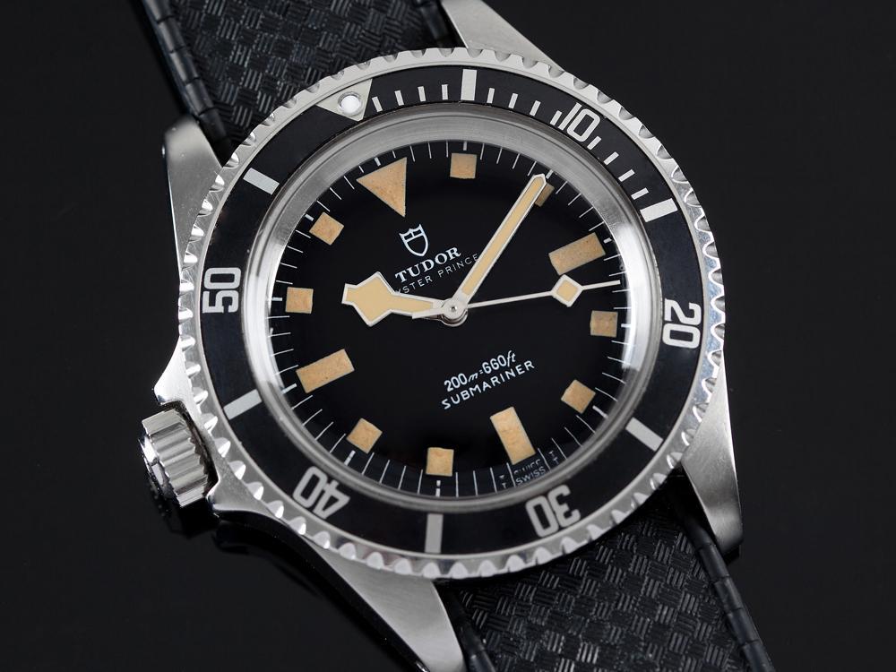 這枚腕錶也只是紀念其1961年為法國海軍的訂作品(如圖)概念複刻,很多人都在問我可以買它來收藏嗎?通常應該先問問,你是否可以買到腕錶呢?!