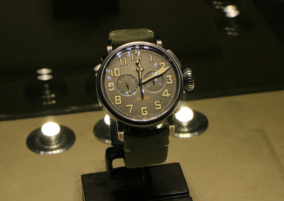 ZENITH Heritage Pilot Ton-up,定價NT$248,300。