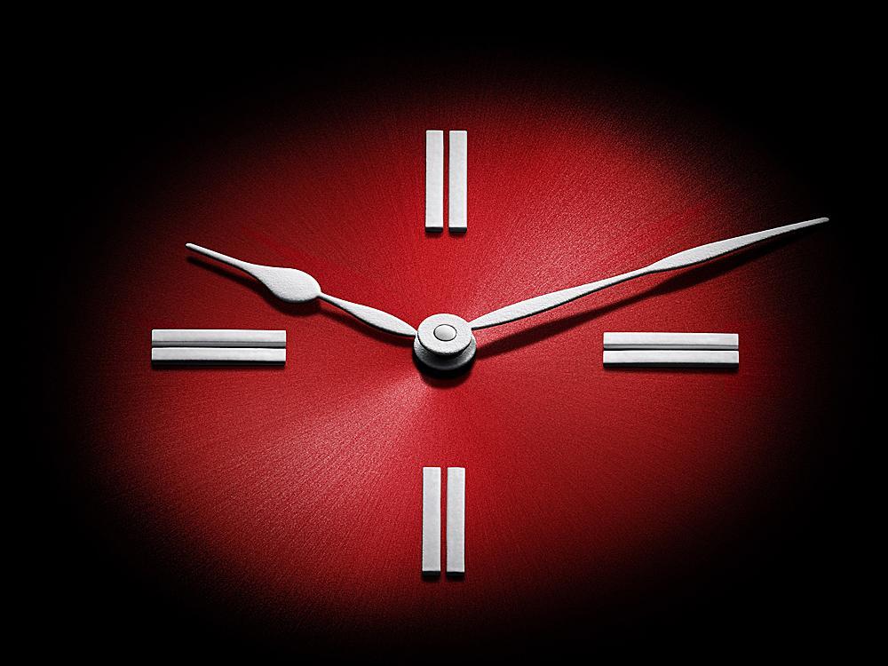 2017年1月12日,H. Moser & Cie.將推出前所未見的「完全瑞士」腕錶,由瑞士製錶師以瑞士當地材料在瑞士生產。這枚腕錶將在2017年1月16日至20日的日內瓦國際高級鐘錶展(SIHH)上隆重登場。