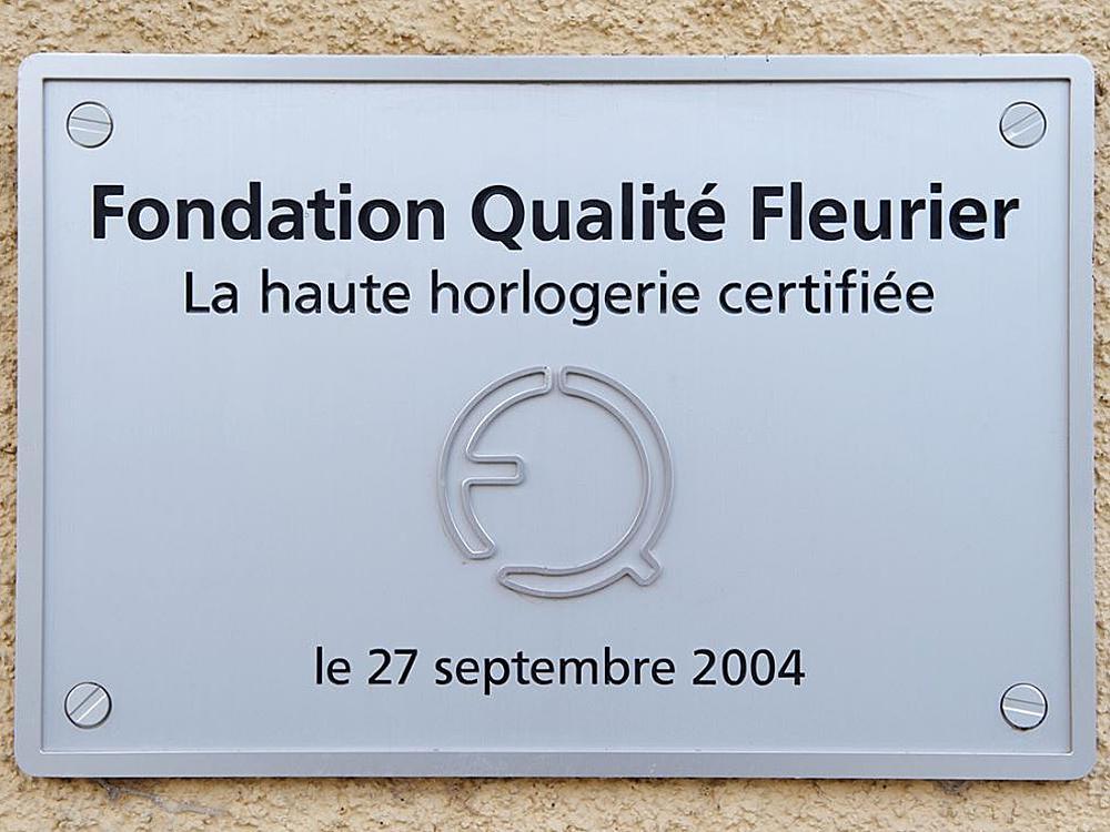 2004年CHOPARD、BOVET、PARMIGIANI三個品牌聯手推出了Qualite Fleurier認證(簡稱QF)認證。