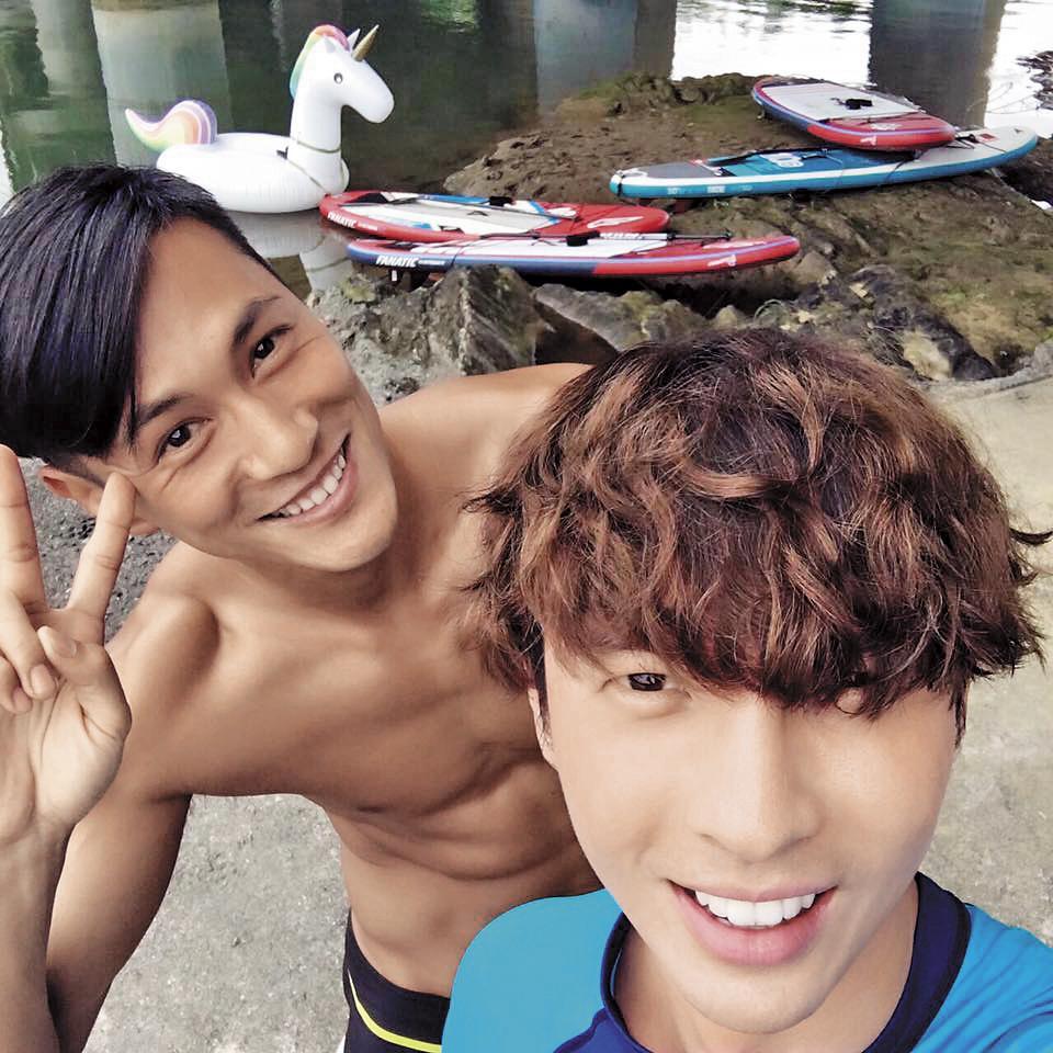 陳勢安跟好朋友鍾承翰(左)都是吃貨一族,會相約運動、搜尋爆紅美食。(翻攝自陳勢安IG)