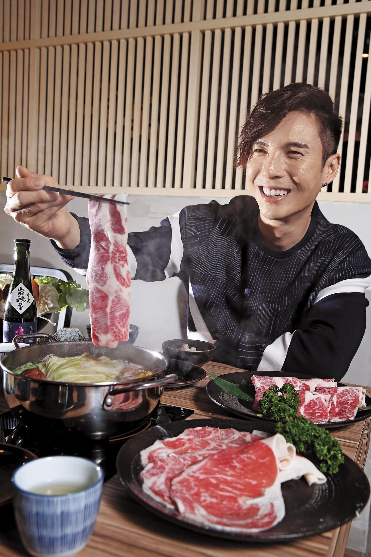 「三道一鍋」是陳勢安最近納入的愛店,他不喜歡一個人吃飯,會揪朋友共享,大口吃肉、大聲聊天是最佳選擇。