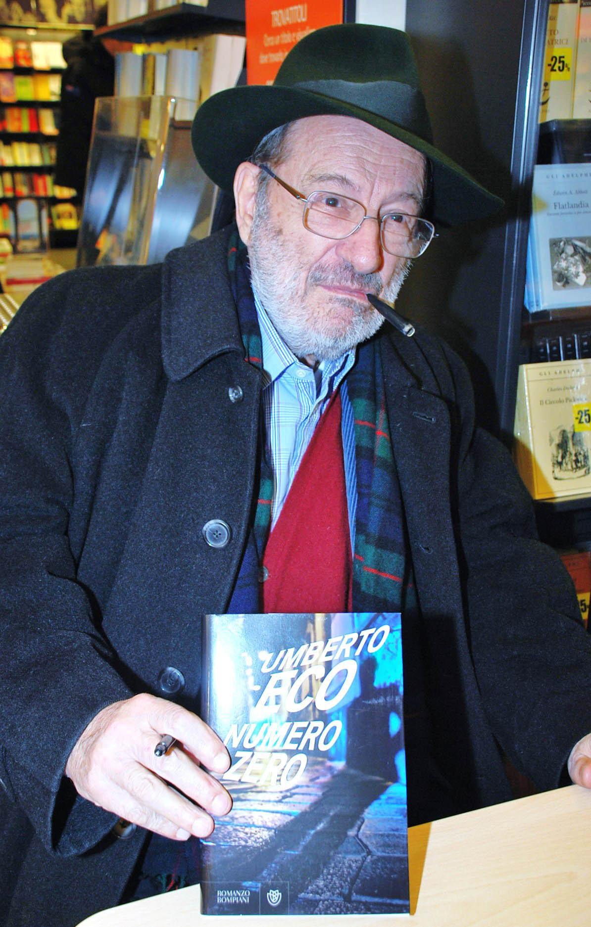 文學大師安伯托艾可,2015年1月在義大利羅馬推出他生前最後一部小說《Numero Zero》。(取自東方IC)