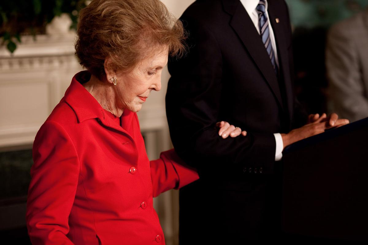 2009年6月2日,南西雷根出席了在白宮舉行的紀念雷根百歲冥誕紀念儀式。(取自東方IC)