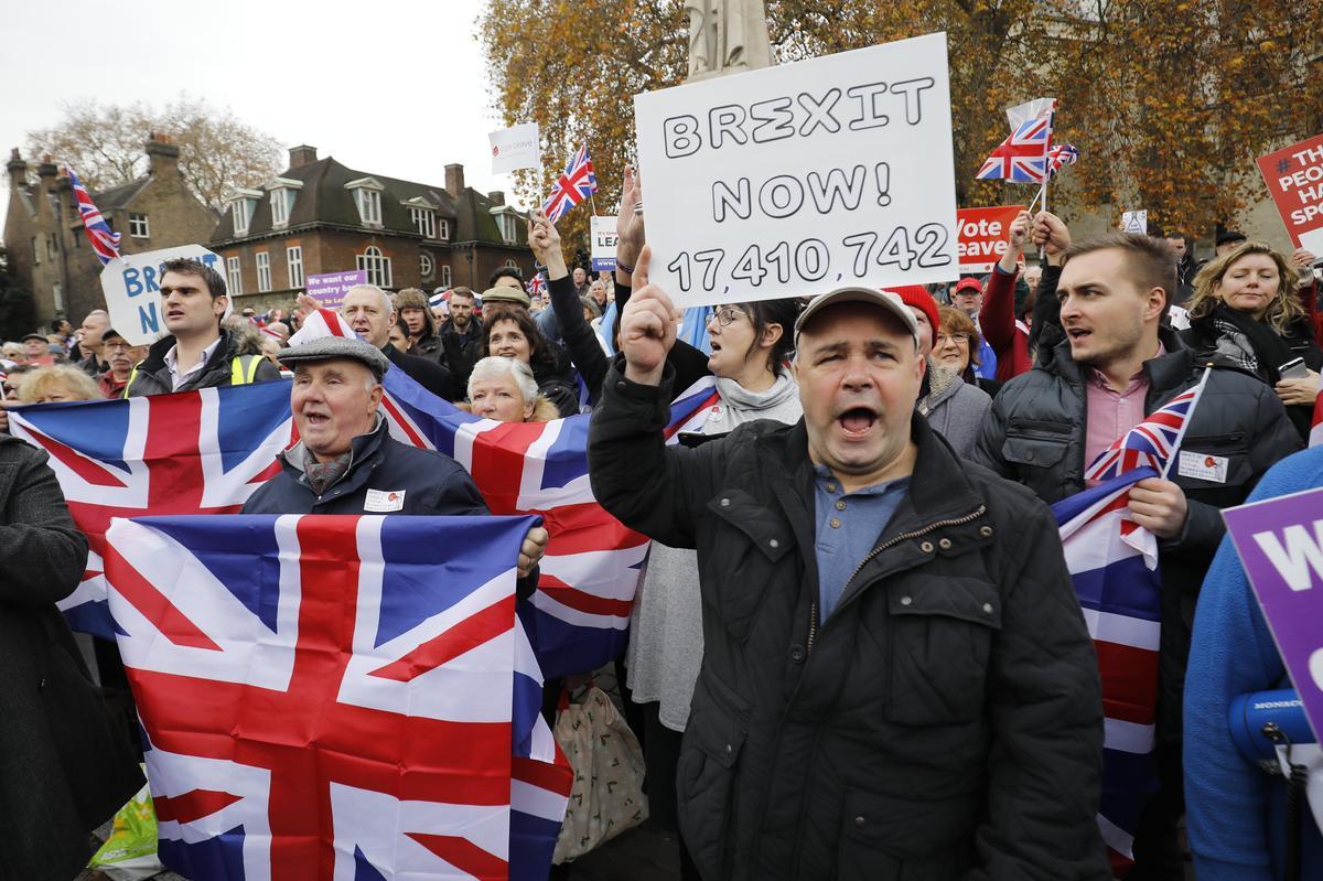 對體制、對菁英、對全球化以及移民的不滿,讓英國通過脫歐公投,締造2016年第一個大驚奇。(東方IC)