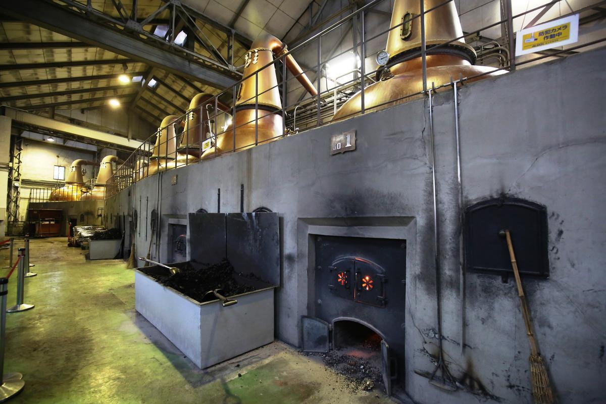 余市蒸餾所內還保存著1936年使用至今的蒸餾灌。