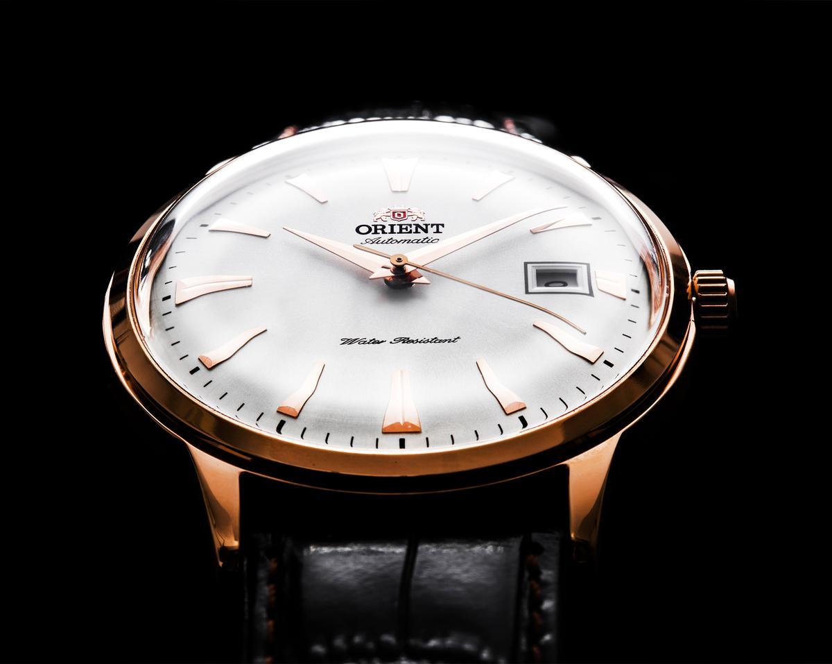 東方錶在台灣也算是老牌子了,以前常常會在電視上的整點聽到「東方錶請您對時」,五、六年級生應該都還有印象(糟糕透露出年齡了),只不過近幾年行銷的聲音比較小,但在錶店和電商通路上還是常常會看到它。