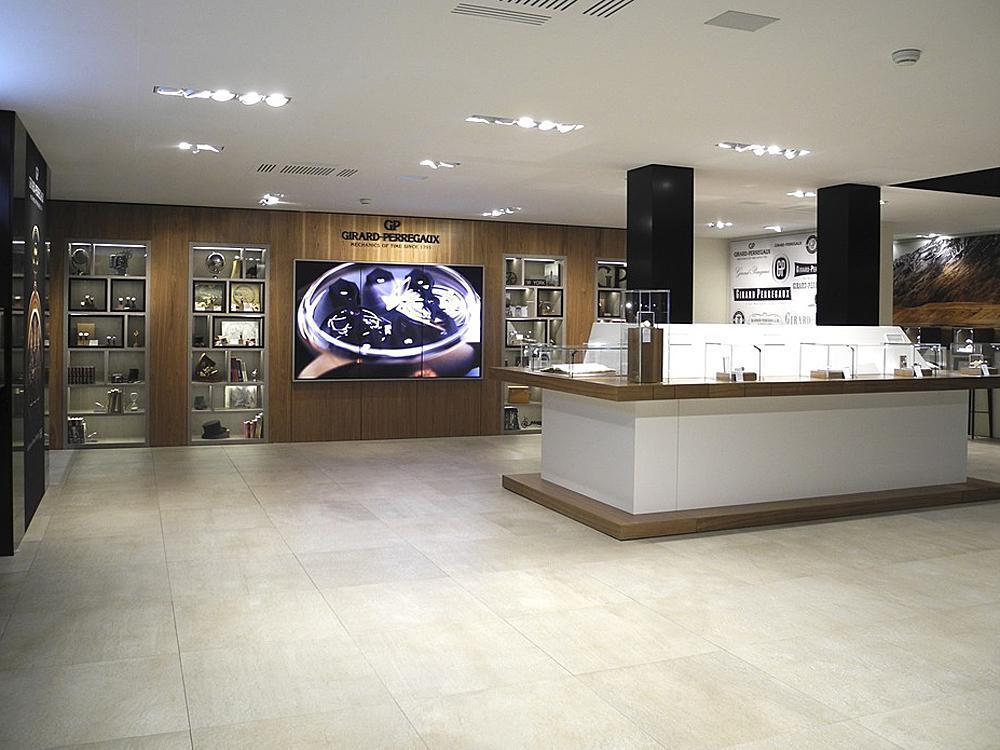 GIRARD-PERREGAUX的Basel展館。
