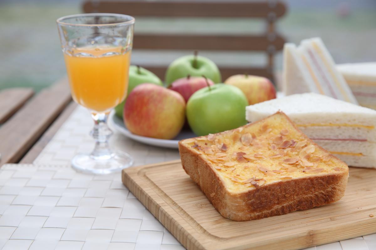 園區提供簡單早餐。