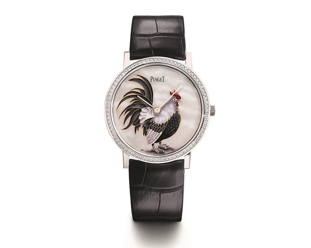 伯爵運用琺瑯微繪來呈現雄雞,而且錶圈還鑲上鑽,展示自家珠寶與製錶工藝的能力。限量38枚,建議售價NT$2,190,000。