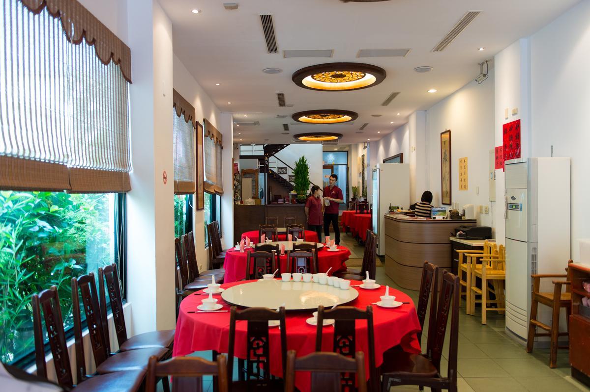 在台南飄香超過半世紀的阿美飯店,專賣台式老菜,擄獲客人的嘴與心。