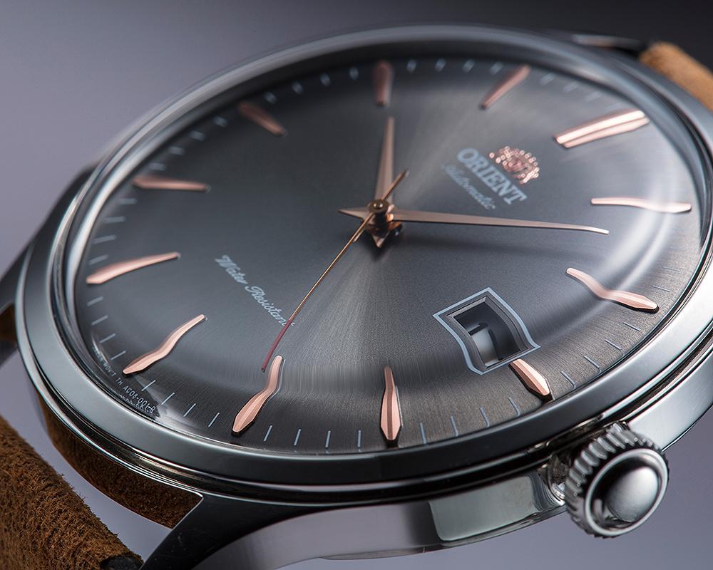 ORIENT Date II自動腕錶採用新的46II自製機芯,面盤、錶殼作工都很有水準。建議售價NT$8,400。