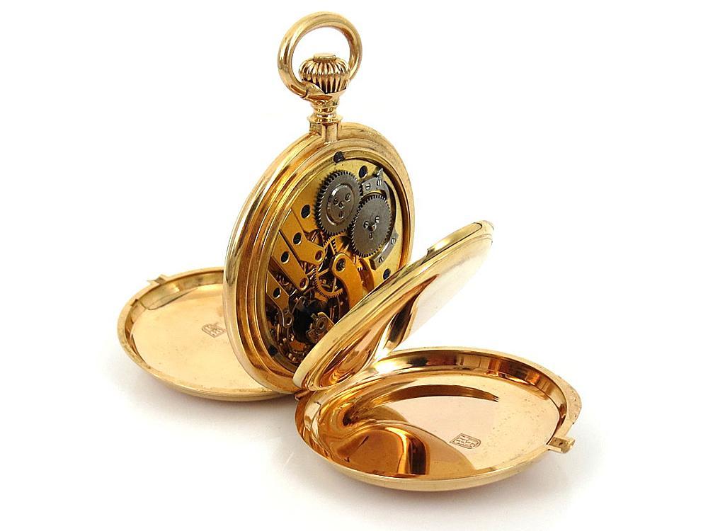 貴金屬的耐蝕能力一般都不錯,所以這也可以解釋為何在古董鐘錶市場上,貴金屬鐘錶的數量會高於其他金屬材質。