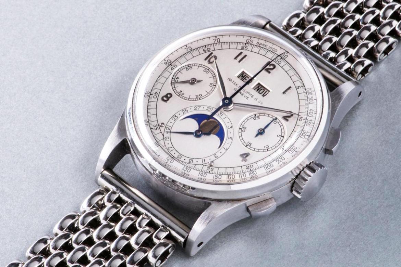 一只於1943年生產的PATEK PHILIPPE Ref.1518不鏽鋼萬年曆腕錶,竟然於去年11月創下了高達約三億五千萬台幣的成交天價(K金錶表示遺憾)!也讓知名度較低的PHILLIPS拍賣公司聲名大噪。所以別再小看不鏽鋼材質錶款的潛力囉...
