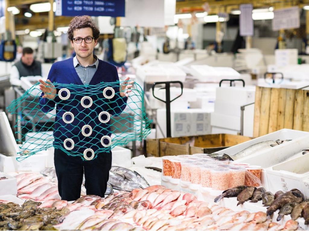 丹華生(Dan Watson)設計的安全漁網為「不符合市場銷售」的魚類設計了逃生緊急出口。(取自Dyson)