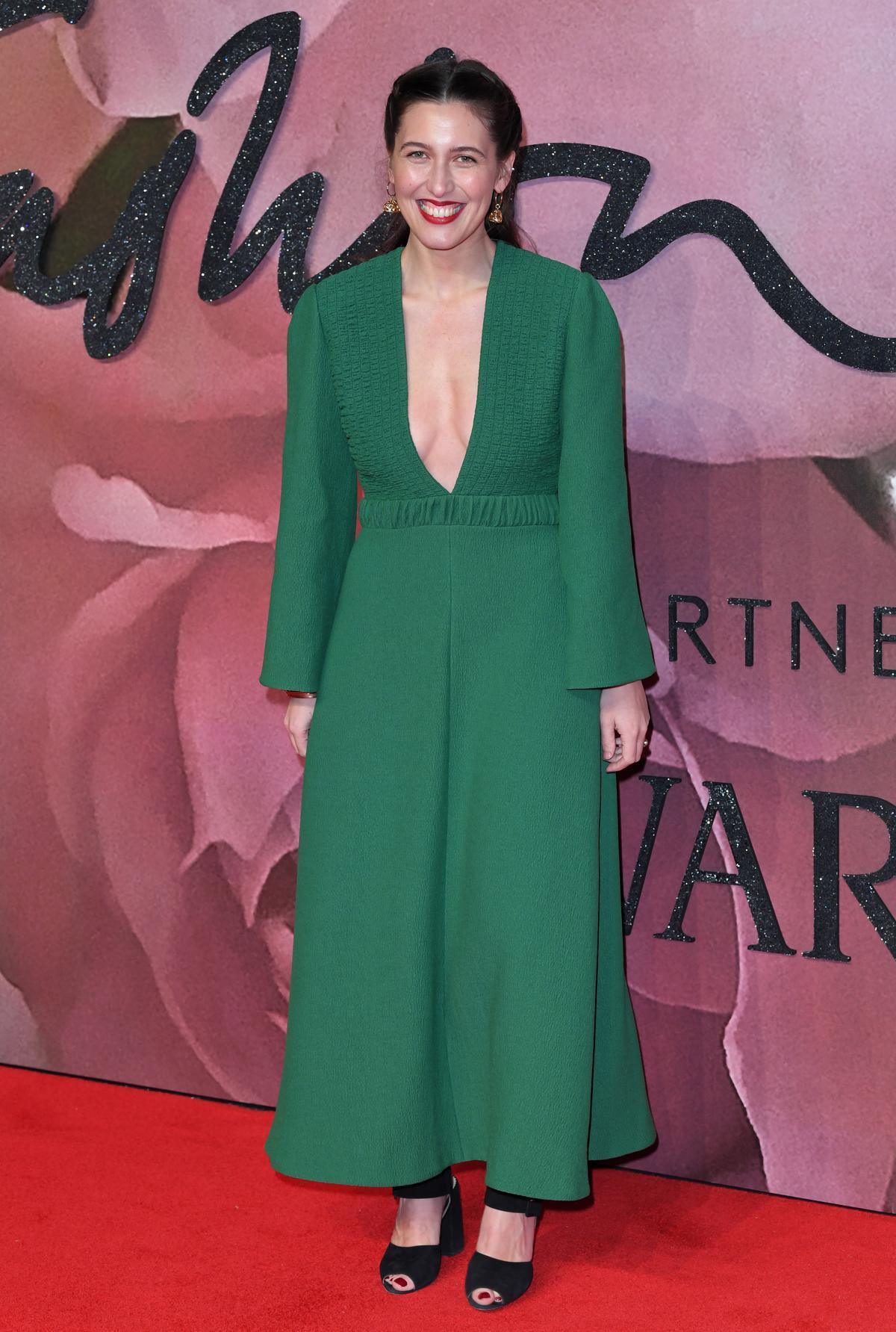 去年年底服裝設計師Emilia Wickstead一襲「自由女神綠」禮服亮相。(取自東方IC)