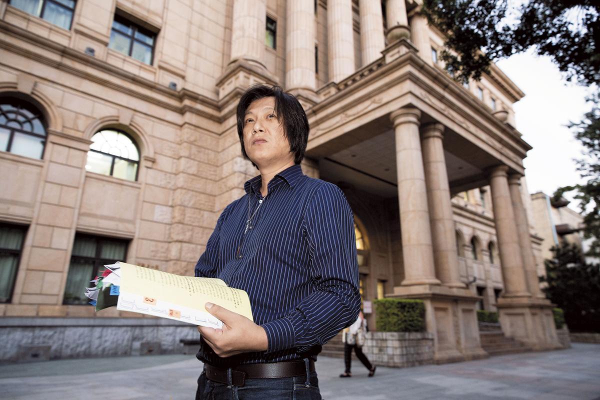 2009年溫以仁就提出官方的學歷證明文件,卻苦無媒體報導澄清。
