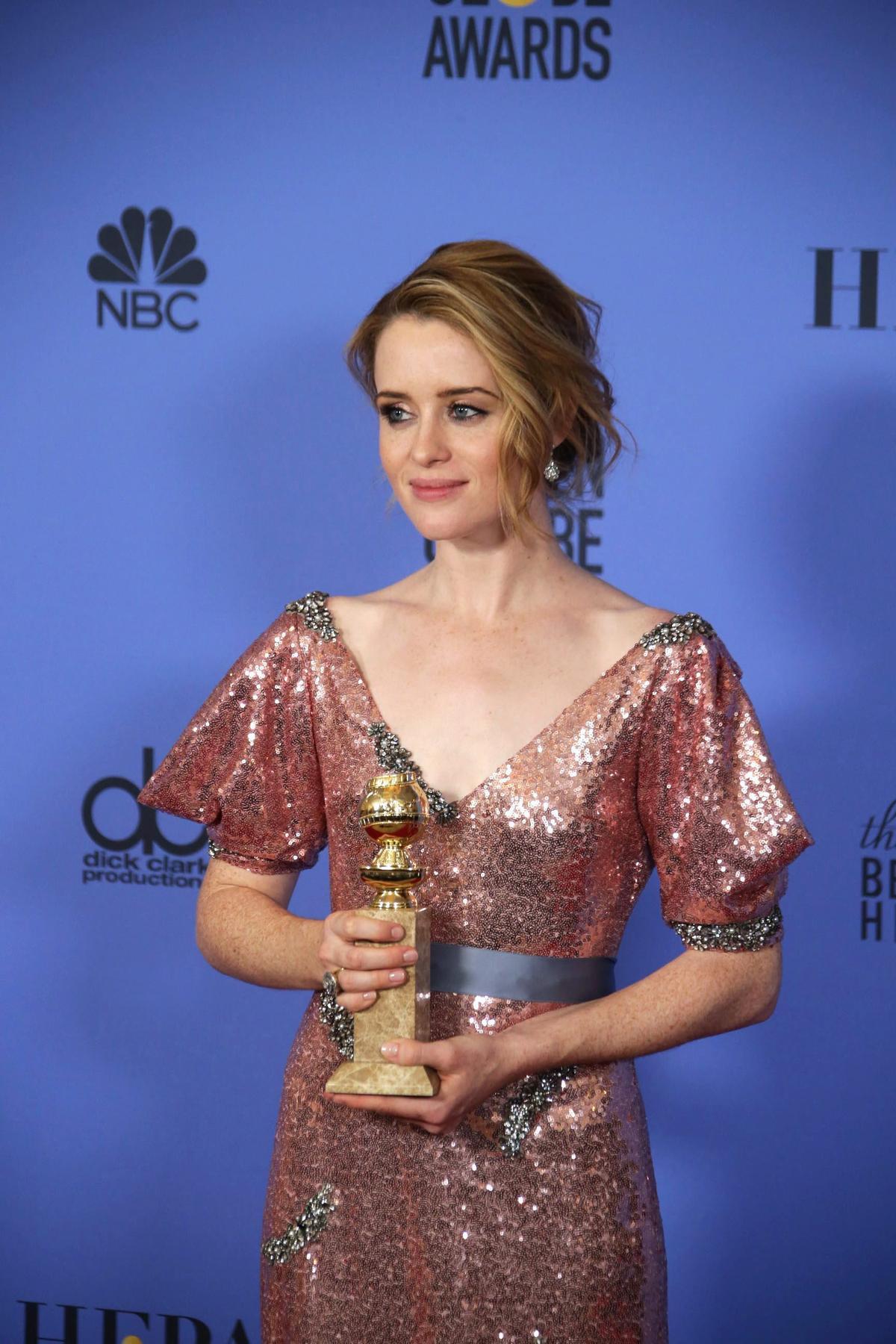 《王冠》的女星克萊兒芙伊(Claire Foy),以詮釋伊莉莎白女皇拿到金球獎電視戲劇類最佳女主角。