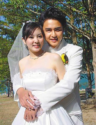 10年前,明道曾和當時才16歲的楊雅筑傳出牽手情。(翻攝自網路)