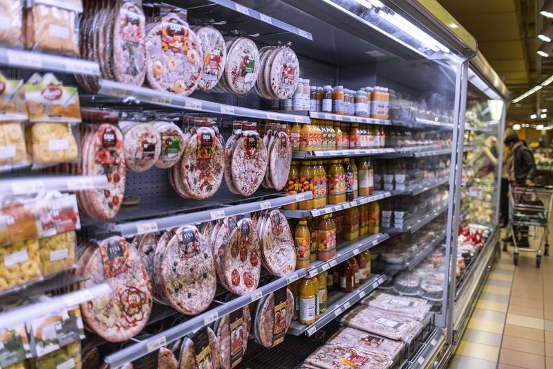 如今糖几乎无所不在,就连火腿等加工肉品,也含有糖的成分。 (东方IC)