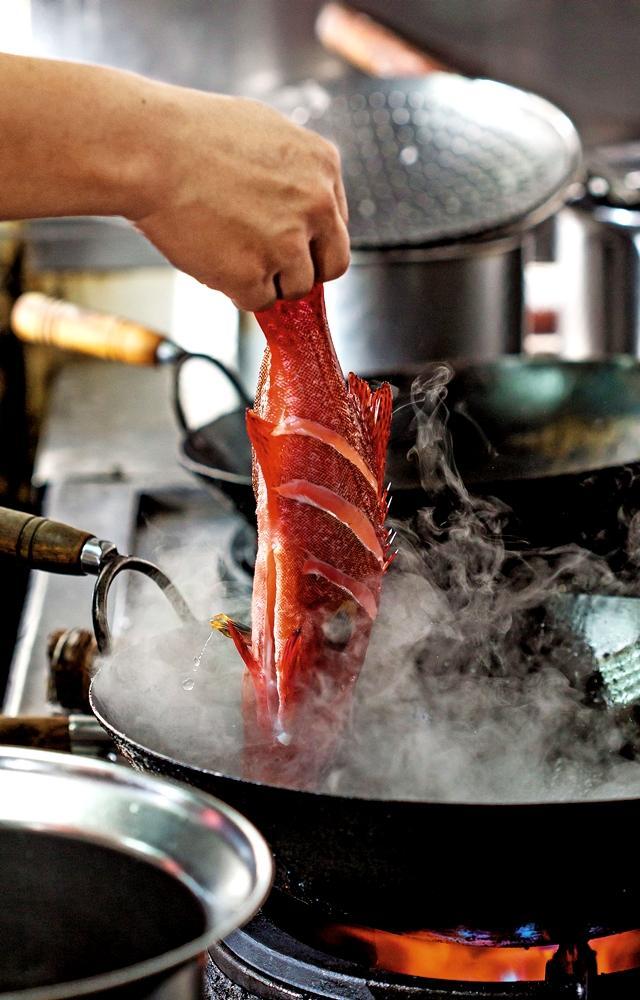 年節前後魚貨價高,若不用鯧魚,也可用虎條(圖)代替。