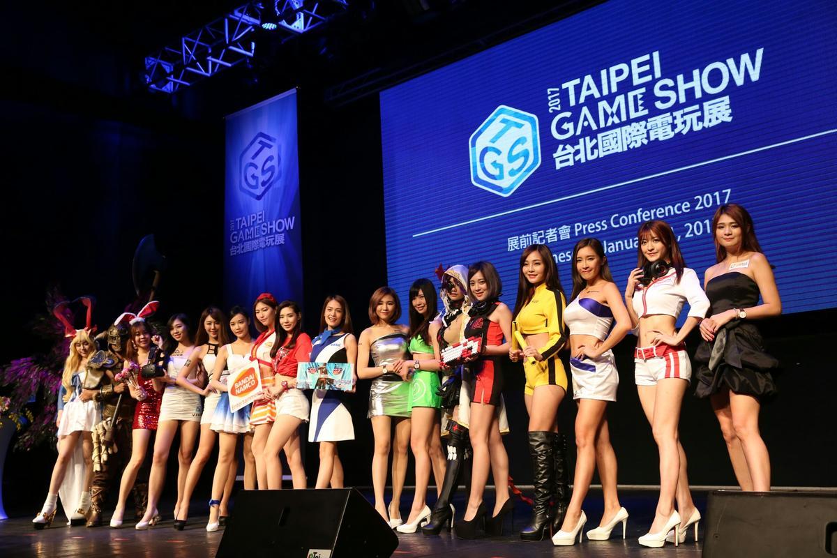 Showgirl一字排開,為今年電玩展增色不少。