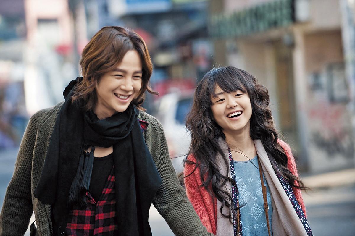 《瑪莉外宿中》 /國家:南韓/演員:張根碩、文瑾瑩