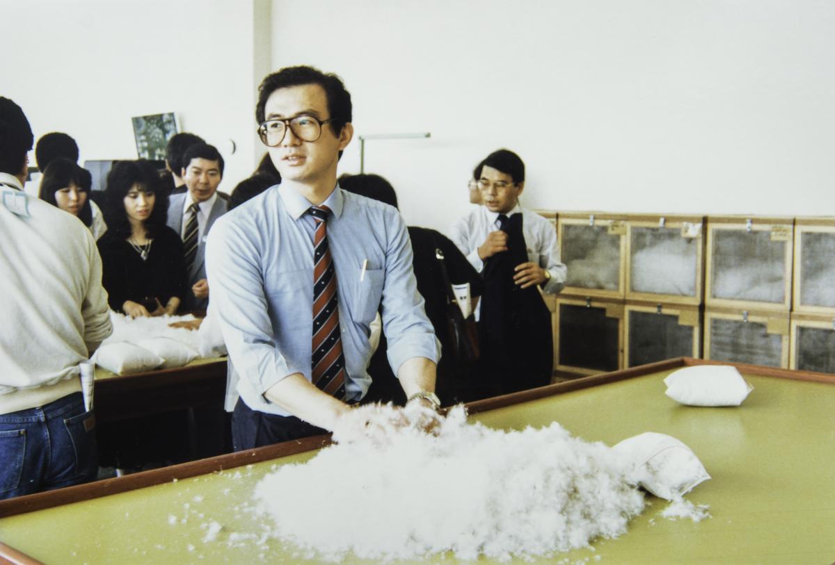第4代陳焜耀1990年接手台灣合隆後,全球跑透透收購羽毛、勤跑業務。(陳彥誠提供)
