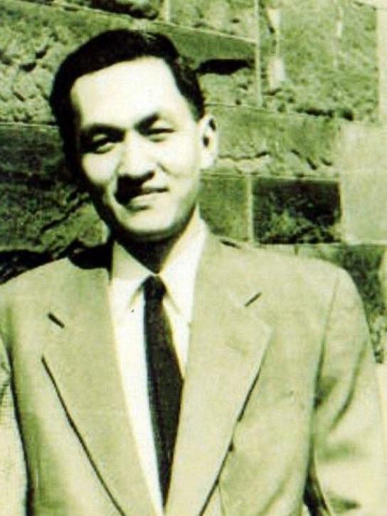彭明敏34歲升教授,38歲當台大政治系系主任,是戰後台灣最年輕的教授和系主任。
